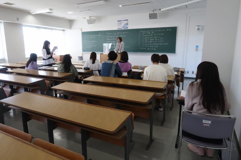入学式・フレッシュマンキャンプを開催致しました 名古屋外国語大学 現代国際学部 現代英語学科